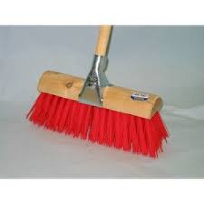 Yard Brush Dosco Red with Clamp